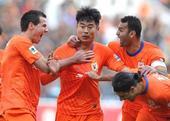 中超图:鲁能2-1泰达 韩鹏与外援庆祝进球