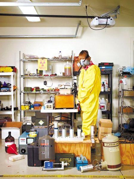 威尔森在自家车库里打造的核实验室