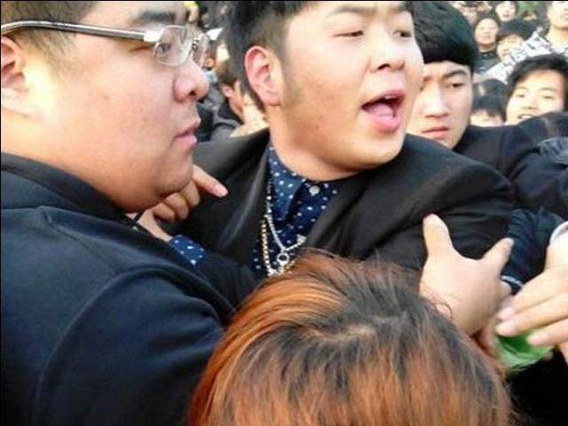 杜海涛打人视频曝光 确有动手画面:挥拳打对方头部