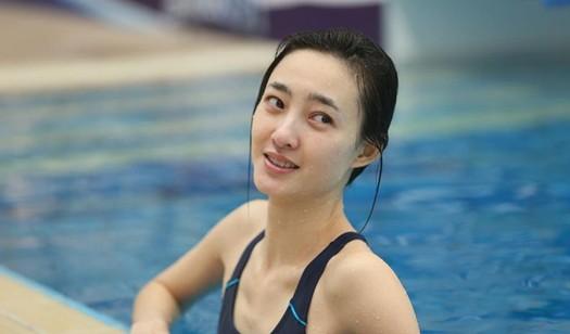 《星跳水立方》王丽坤素颜出镜