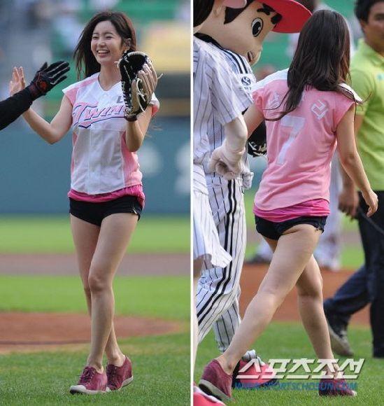龙虎网讯近日,韩国棒球v棒球接连邀请小姐蔡贞和新晋的韩国女星来性感杨幂穿短裙图片