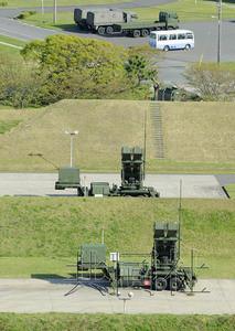 """图为部署于神奈川县横须贺市自卫队设施内的地对空拦截导弹""""爱国者-3""""。摄于4月9日。"""