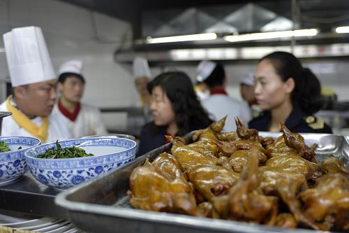 内蒙古各地积极防控禽流感