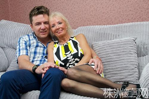 老妇肥_英国67岁老妇隆胸后与29岁小伙相恋(组图) (1)