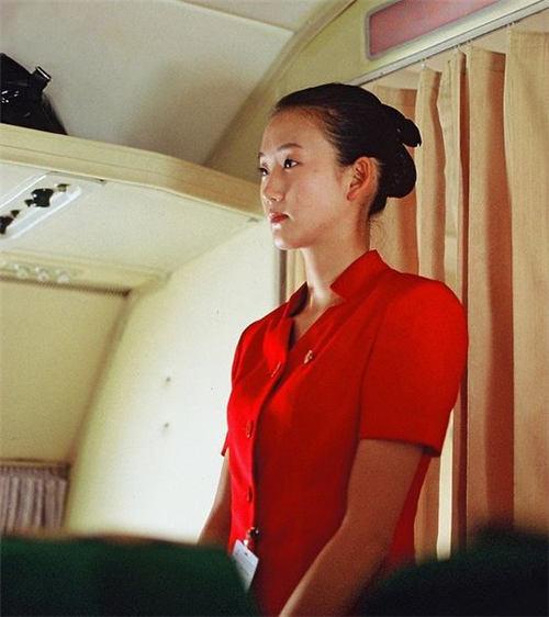 朝鲜空姐旧制服图片