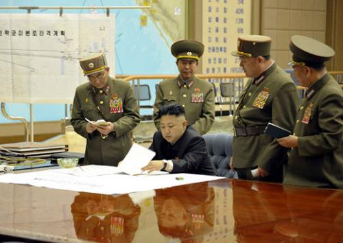 当地时间3月29日,朝鲜最高领导人金正恩紧急召开作战会议。《劳动新闻》