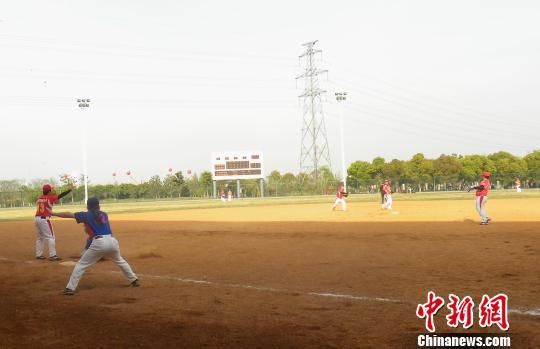 为增进慢速小区运动发展,推动垒球垒球文化交流,由昆山体育协,中国两岸射箭图片