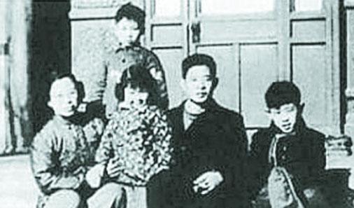 胡耀邦全家福(资料图)
