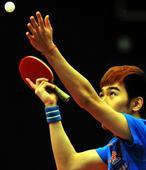 图文:亚洲杯闫安获得男单亚军 闫安发球瞬间
