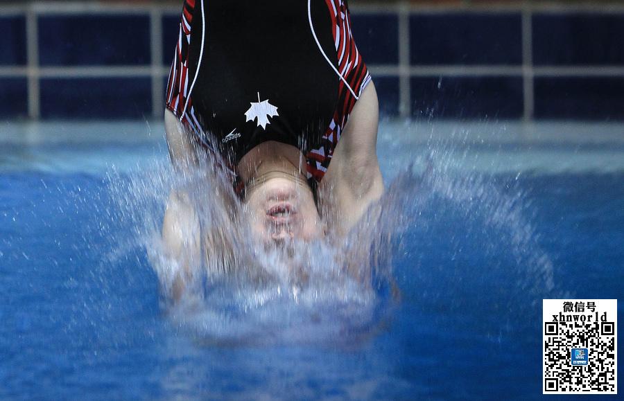 不输水立方明星 专业跳水运动员的搞怪表情(组图)