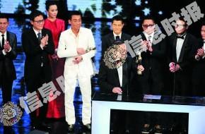 港味甚浓的《寒战》前晚成为金像奖大赢家,监制江志强上台领取最佳影片奖。