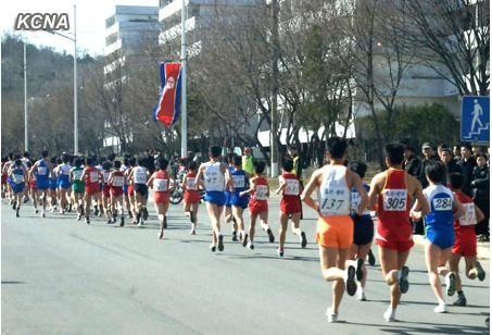 朝鲜14日在平壤举行第26届万景台奖马拉松比赛。