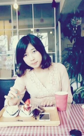 图为吕令子,本科就读于北京理工大学国贸专业。(据楚天都市报)
