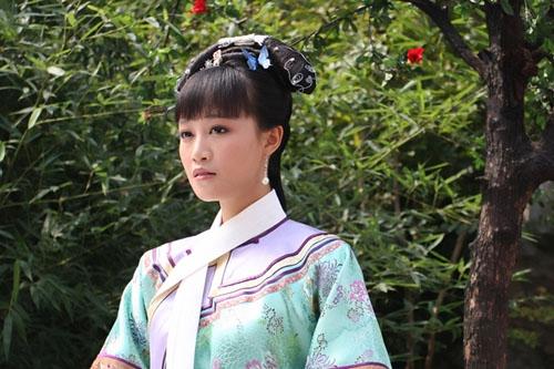 姓名:蓝盈莹。生日:1990年4月16日。毕业院校:中央戏剧学院08级表演系本科2班。