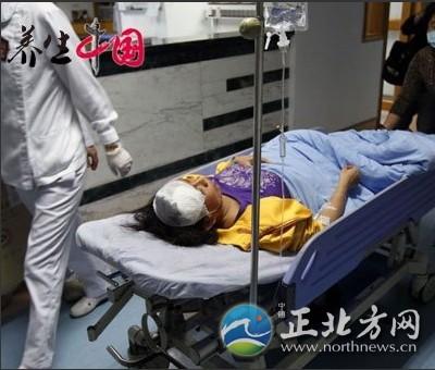 深圳小学生电梯踩踏事故 造成10人受伤 组图
