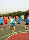 图文:中国男乒备战世乒赛 闫安做好准备