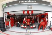 图文:F1巴林站第三次练习赛 马萨的车房