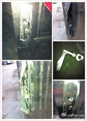 小孙在微博上发图:家里被撬坏的门。