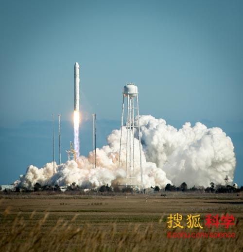 安塔瑞斯火箭于21日试飞成功,未来3~5年间将为国际空间站进行货物补给。