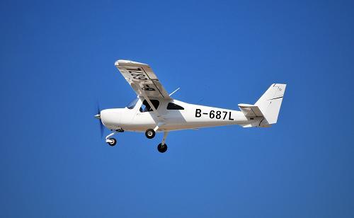 _中航沈飞l162双人小飞机批量投产(组图)