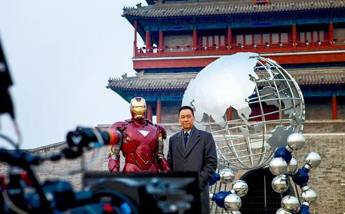 图为电影《钢铁侠3》的工作照。