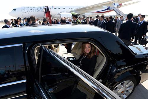 国产豪华礼宾车接待首位西方大国元首奥朗德