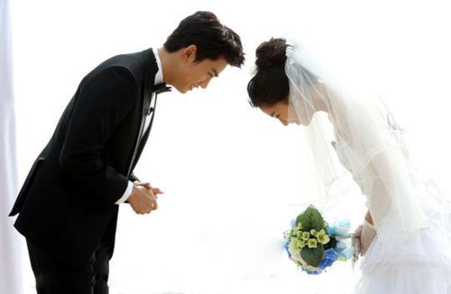 我们结婚了鬼泽夫妇_《我们结婚了》世界版鬼泽夫妇婚照公开(图)-搜狐滚动