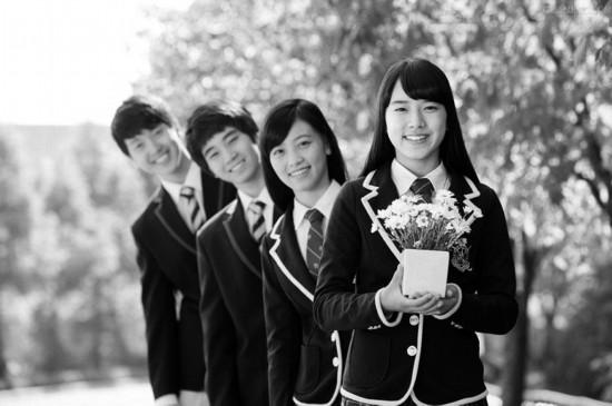 16岁女生因没闺蜜失眠 三成中学生交际困难
