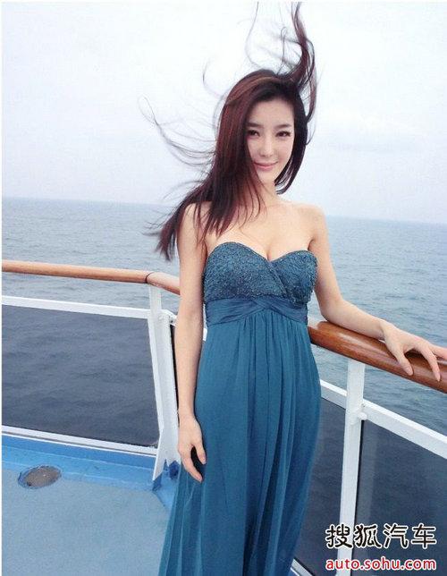 上海车展靓模美女 浴袍生活私密照大揭秘-搜狐汽车