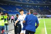 中超图:天津泰达vs武汉卓尔 图拔与李玮锋握手
