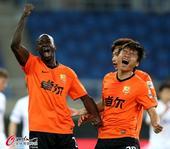 中超图:天津泰达vs武汉卓尔 登贝莱庆祝进球