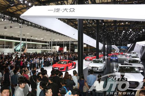 上海车展破三项历史纪录 80万人观展居首