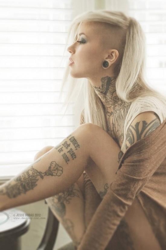 令美女痴迷的美丽纹身(组图)