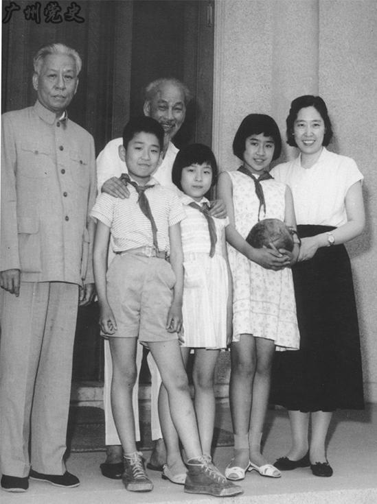 王光美 刘少奇/刘少奇与夫人王光美。
