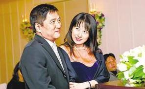 戈伟如和昔日豪门丈夫。