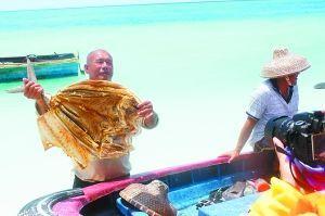 渔民的大鱼干。 (游客供图)
