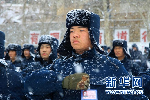 兵二照片曝光_基地学兵四大队的官兵,以党的十八大精神为指导,按照习主席\