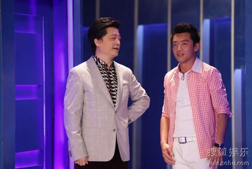 郑恺登《谢天谢地你来啦》和主持人崔永元大聊《致青春》。