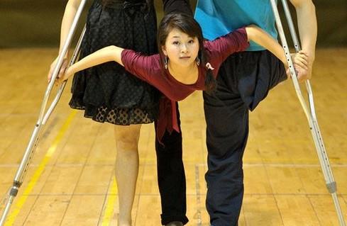 汶川地震前的小地震_舞蹈教师廖智否认用高档假肢:用的是最便宜的-搜狐娱乐