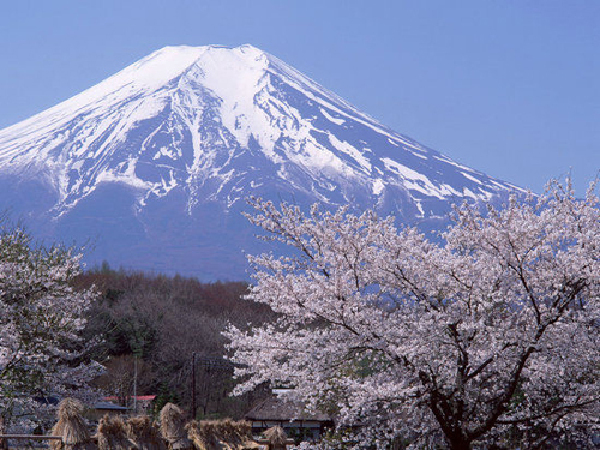 日本旅游地�_盘点全球隐藏活火山旅游胜地【图】(1)_科学