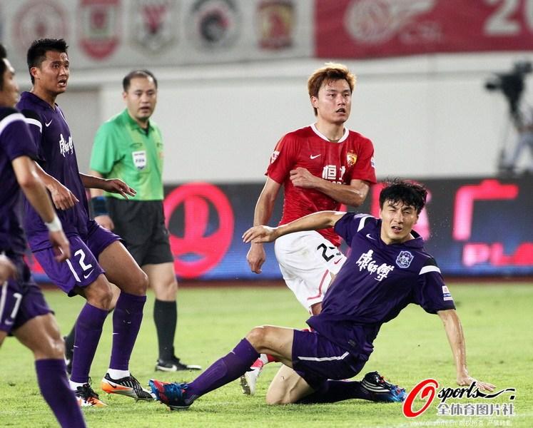 李玮峰/2012年8月25日,中超联赛第23轮,广州恒大VS天津泰达。