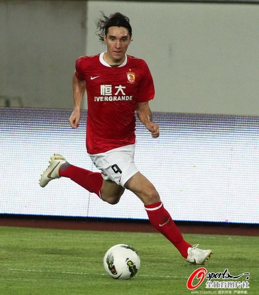 广州 杨启鹏/2012年8月25日,中超联赛第23轮,广州恒大VS天津泰达。