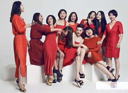 范冰冰工作室五周年,工作室所有女性成员合影。