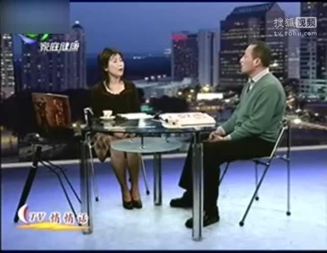 视频:石家庄女子穿高跟鞋开车