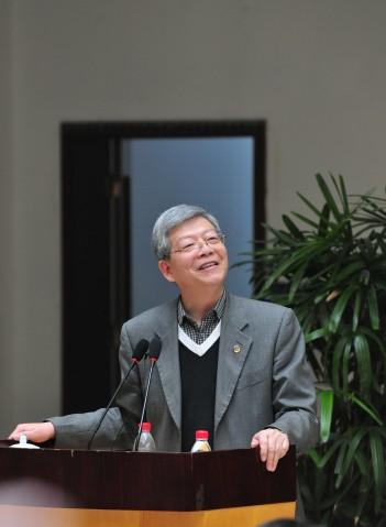 复旦校长杨玉良:人文阅读是一种德性的体现