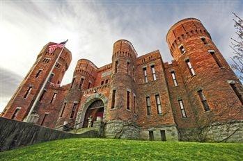 纽约4000平米古堡百万美元 北京可买70平学区房