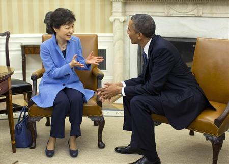 韩国总统朴槿惠在美国白宫会见奥巴马