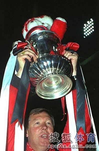 01-弗格森执教曼联第一座奖杯——足总杯