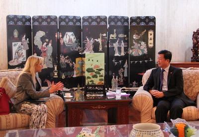 驻墨西哥大使曾钢会见墨西哥投资贸易促进署副署长