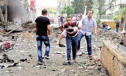 雷伊的死亡_雷伊汉勒市当天连续发生两起汽车炸弹爆炸事件,已造成至少40人死亡